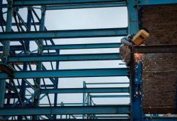 استانداردهای لازم و ارزش ها باید در ساخت و سازها مورد توجه باشد