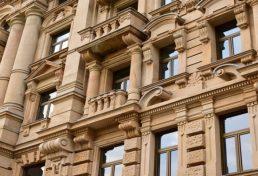 نمای رومی ایمنی ساختمان و ساکنان را در زمین لرزه به خطر می اندازد