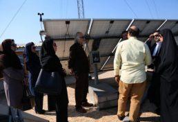 بازدید جمعی از مدیران شهرداری رشت از پنل خورشیدی سازمان